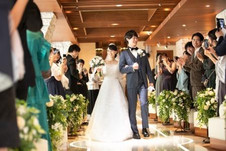 チャペル 結婚式 キリスト式 お洒落 ブーケ