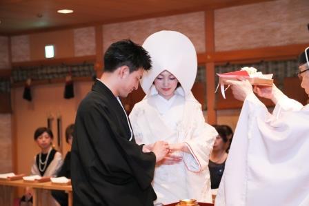 神前式、結婚式、和装、白無垢、綿帽子
