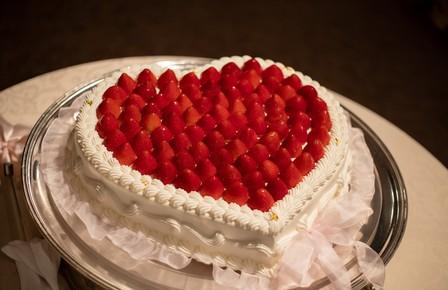 ケーキ オリジナルケーキ ハート 苺