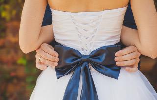 ウエディングドレス、サムシングブルー
