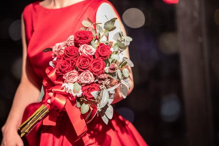 赤いバラ、バラ、ブーケ、誕生花